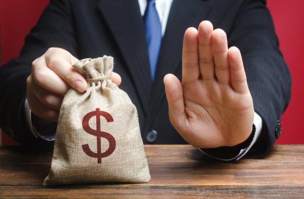 Phí hủy bỏ hợp đồng bảo hiểm trước hạn của các công ty bảo hiểm