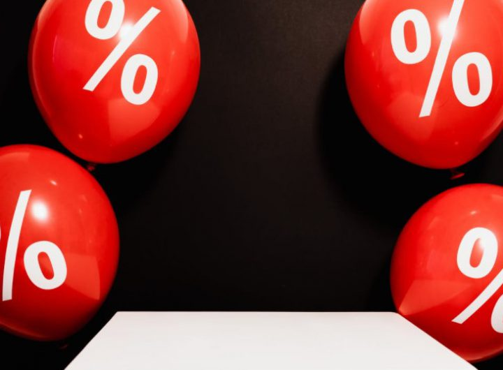 Lãi suất cam kết là gì. Mức lãi suất cam kết của bảo hiểm nhân thọ
